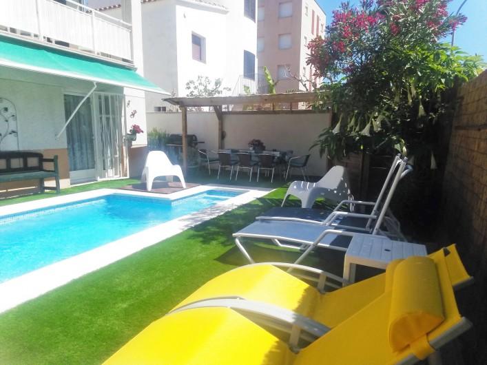 Location de vacances - Villa à Cambrils - chaises longues
