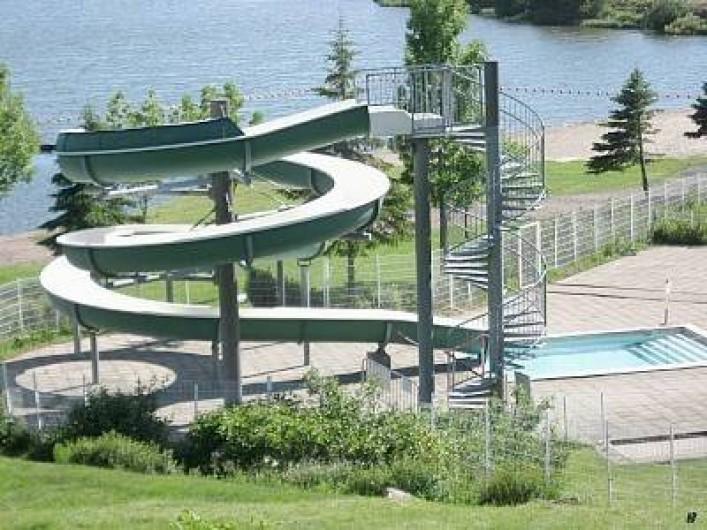 Location de vacances - Appartement à Super Besse - toboggan piscine