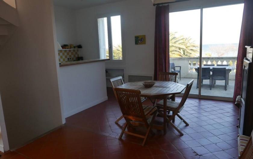 Location de vacances - Chalet à Argelès-sur-Mer - séjour  coin repas