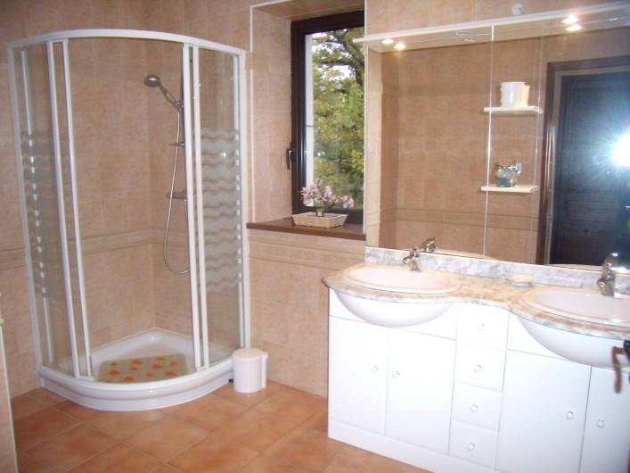 Location de vacances - Gîte à Fontanes - salle d'eau