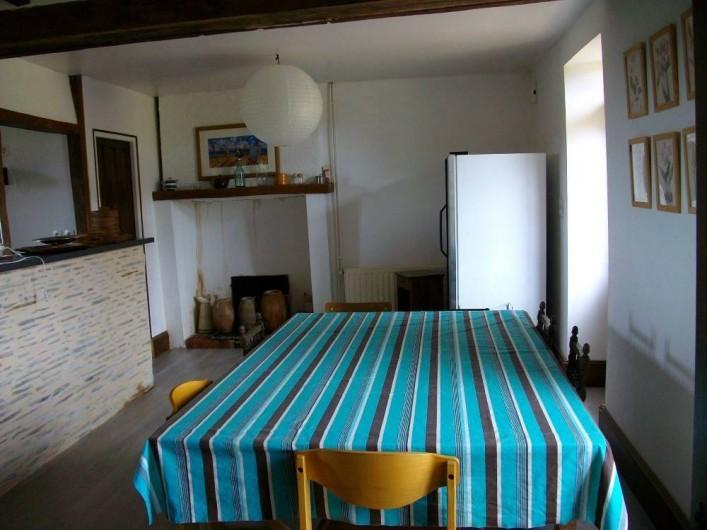 Location de vacances - Gîte à Noyant-la-Gravoyère - Salle à manger