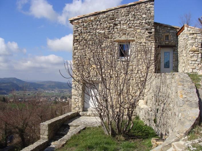 Location de vacances - Mas à Mirabel-et-Blacons - maison vue est