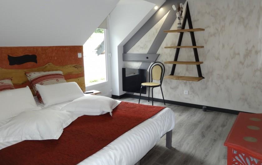 Location de vacances - Chalet à Estaing - RÊVE DE GOSSE le gîte KAIROS trois chambres double