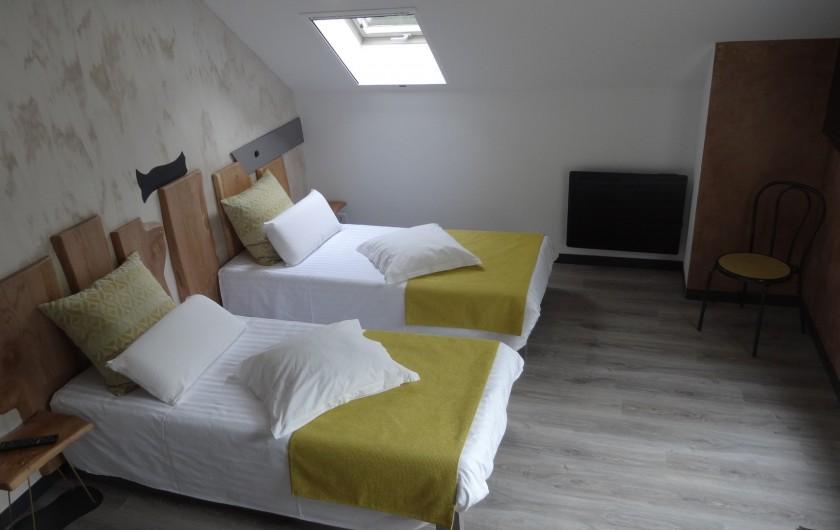 Location de vacances - Chalet à Estaing - RÊVE DE GOSSE le gîte KAIROS les chambres en version twin
