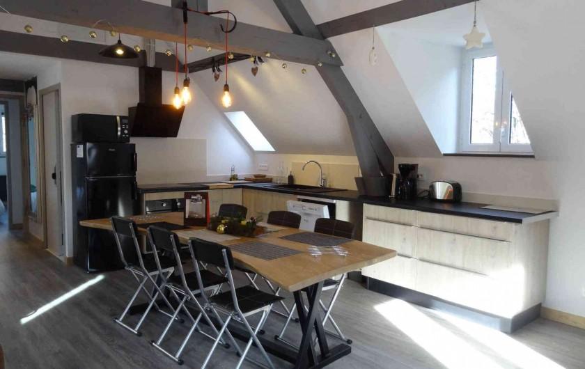 Location de vacances - Chalet à Estaing - RÊVE DE GOSSE le gîte CASSIOPEE L'espace cuisine