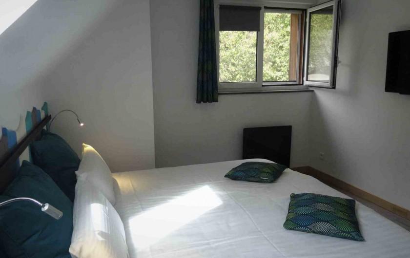 Location de vacances - Chalet à Estaing - RÊVE DE GOSSE le gîte CASSIOPEE La chambre double