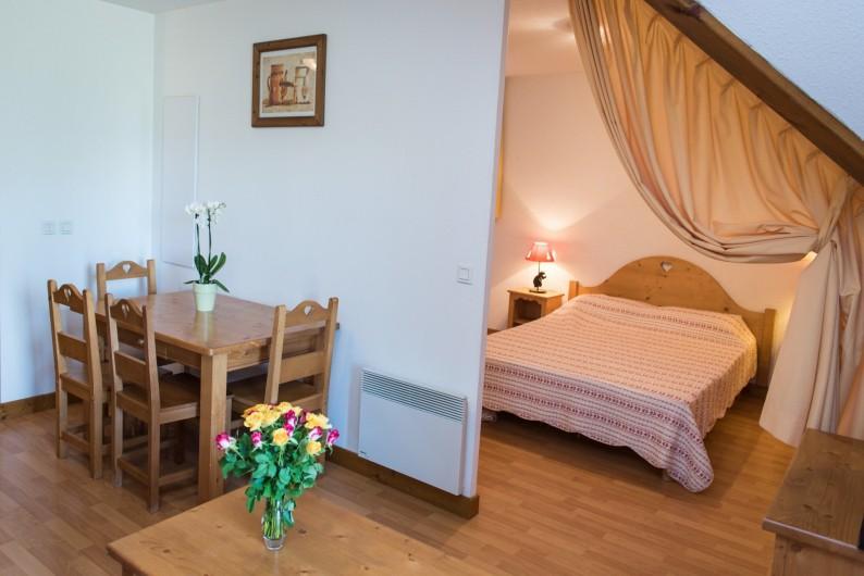 Location de vacances - Hôtel - Auberge à Giez - Appartements cosy, coin repas, chambres tout confort.