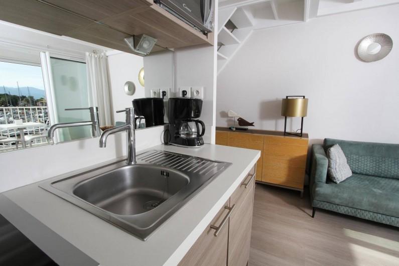 Location de vacances - Appartement à Saint-Cyprien Plage - Duplex, Cuisine et salon