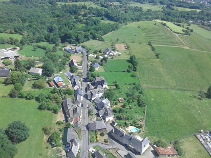 Location de vacances - Gîte à Allassac - vue du village la chartroulle