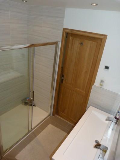 Location de vacances - Chalet à Séez - Salle de douche et WC chambre 2
