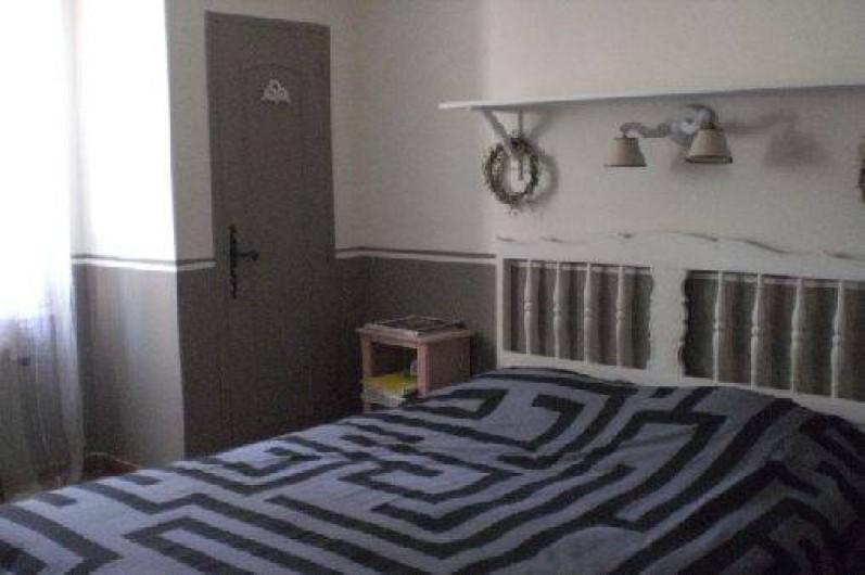 Location de vacances - Villa à Roussas - Chambre au Sud avec un grand lit