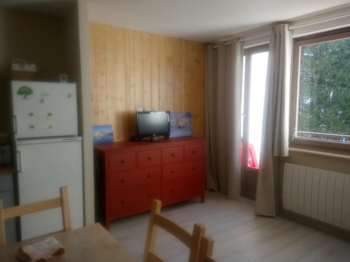 Location de vacances - Appartement à Le Collet d'Allevard - coin télé