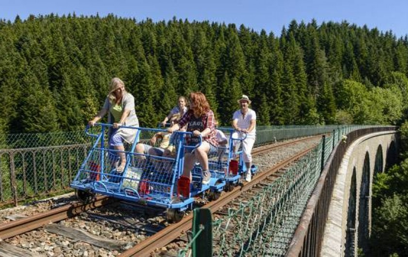 Location de vacances - Gîte à Landos - vélo rail