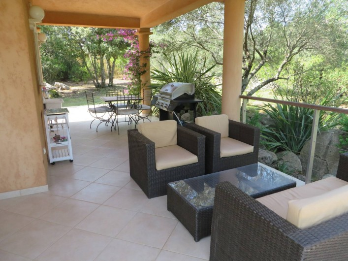 Location de vacances - Villa à Sainte-Lucie de Porto-Vecchio - Terrasse couverte