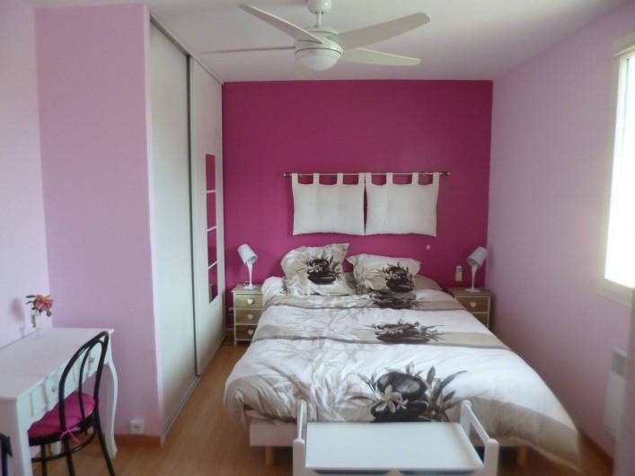 Location de vacances - Chambre d'hôtes à Donzac - La Chambre Gaëtan BLOOM (Vue 1)