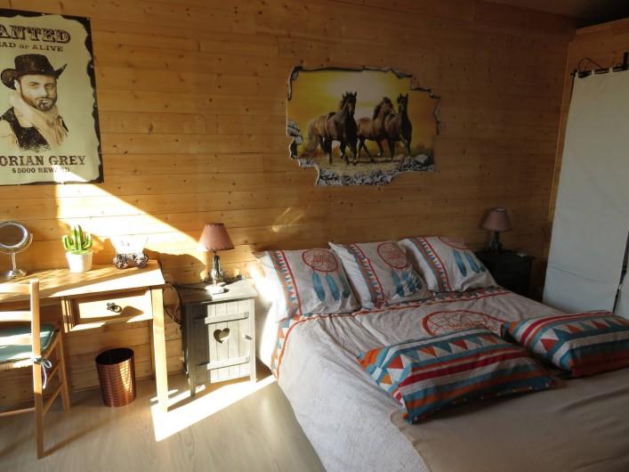 Location de vacances - Chambre d'hôtes à Donzac - La Chambre Doriian GREY (Vue 2)