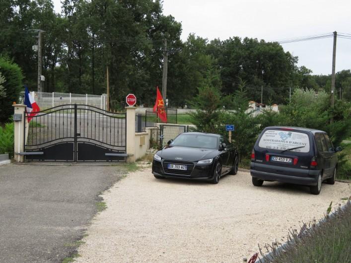 Location de vacances - Chambre d'hôtes à Donzac - Le coin Parking