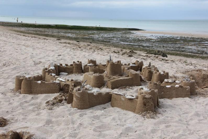 Location de vacances - Gîte à Langrune-sur-Mer - Pour les enfants c'est la vie de château et pour les parents le rêve...
