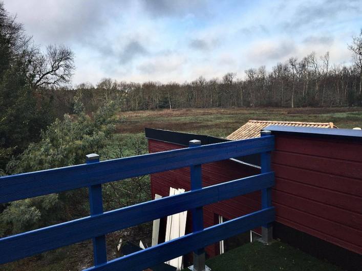Location de vacances - Chambre d'hôtes à Grayan-et-l'Hôpital - Terrasse privative donnant sur la forêt
