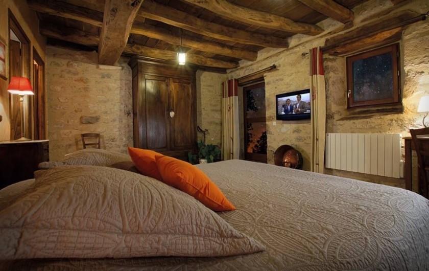"""Location de vacances - Chambre d'hôtes à Espédaillac - Chambre """"Voie Lactée"""""""