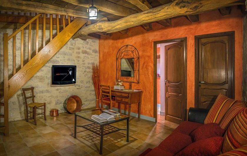 """Location de vacances - Chambre d'hôtes à Espédaillac - Salon suite """"Andromède"""""""