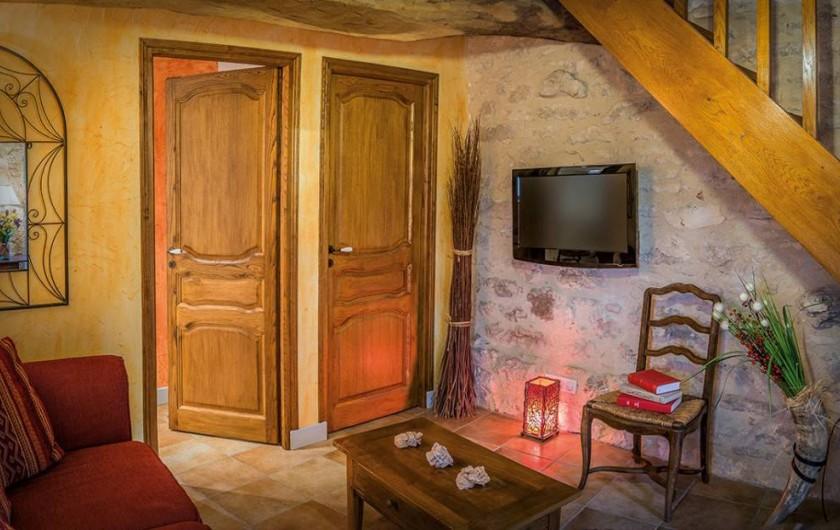"""Location de vacances - Chambre d'hôtes à Espédaillac - Salon suite """"Cassiopée"""""""