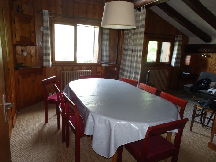 Location de vacances - Chalet à Les Houches - Salon et sa bibliothèque