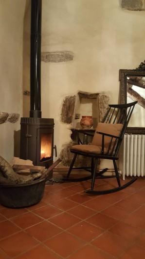Location de vacances - Gîte à Saint-Vincent-d'Olargues - Coin feu gîte 2