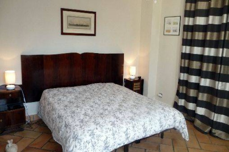 """Location de vacances - Maison - Villa à Auriol - Chambre """"Années 1940"""" en lit queen size"""