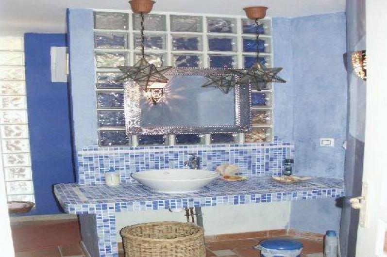 """Location de vacances - Maison - Villa à Auriol - Salle de douche suite """"Marocaine"""""""