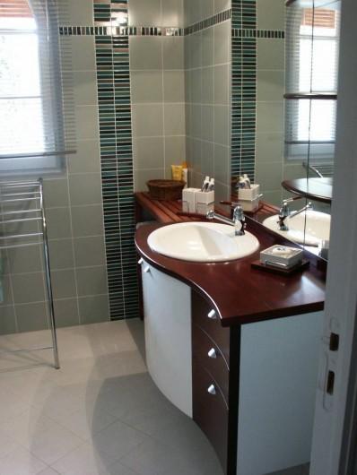 Location de vacances - Maison - Villa à Auriol - Salle de bain séparée