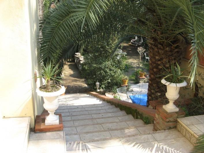 Location de vacances - Appartement à Collioure - escalier donnant à votre terrasse