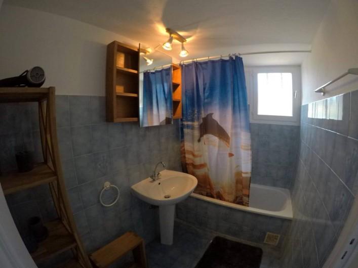 Location de vacances - Villa à Sainte-Maxime - salle de bain