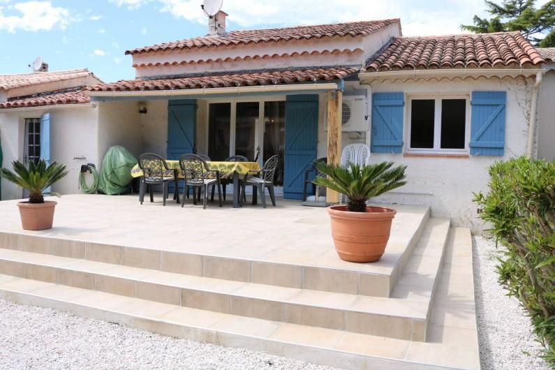 Location de vacances - Villa à Sainte-Maxime - la terrasse