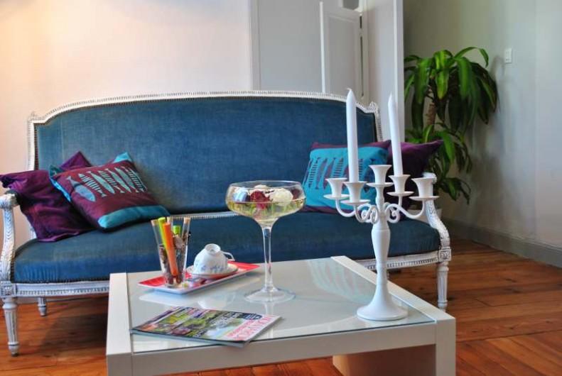 Location de vacances - Chambre d'hôtes à Salies-de-Béarn - le salon chambre suite