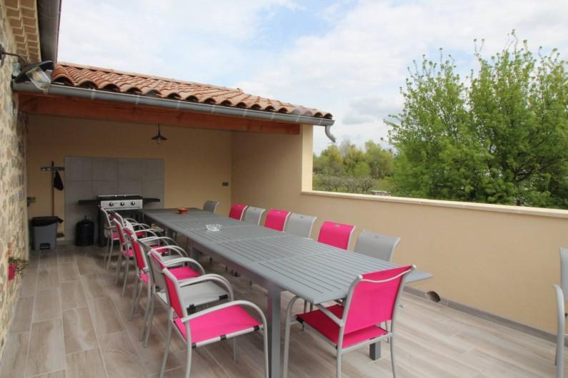 Location de vacances - Gîte à Aubenas - Coin repas sur terrasse