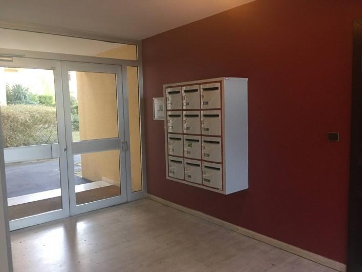 Location de vacances - Appartement à Cassis - L'entrée de la résidence