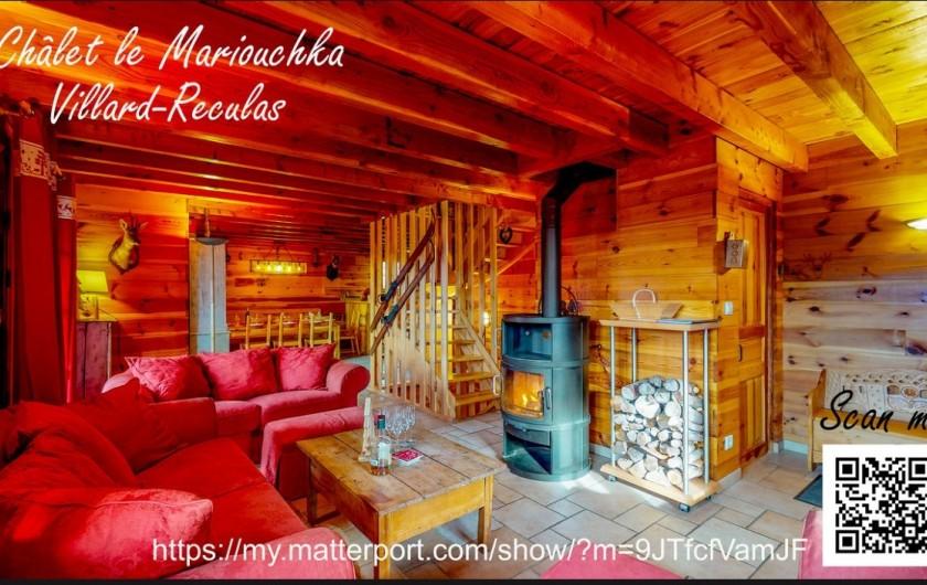 Location de vacances - Chalet à Villard-Reculas - Pièce de vie - Scanner le QR code pour accéder à la visite virtuelle.