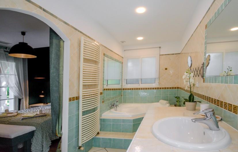 Location de vacances - Villa à Pépieux - BALANCOIRE ET JEU DE BOULES