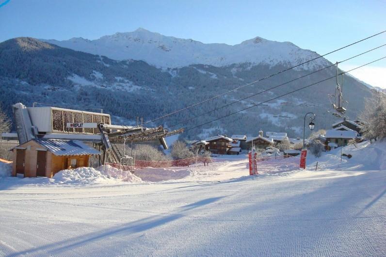Location de vacances - Appartement à Villaroger - Vue d'ensemble télésiège village