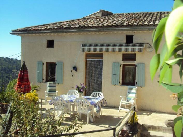 Location de vacances - Gîte à Chassiers - Terrasse 1