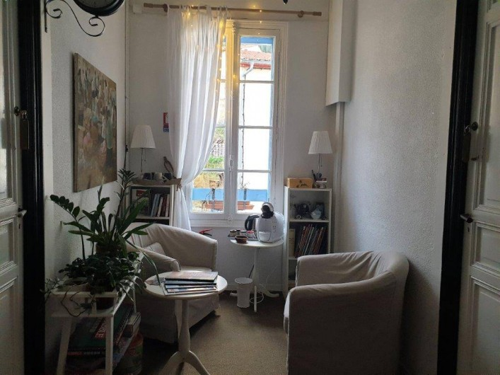 Location de vacances - Chambre d'hôtes à Tautavel - Salon de lecture et jeux commun