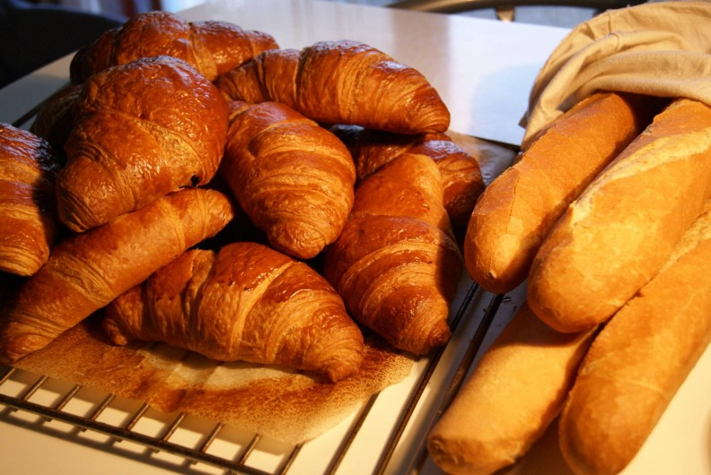Location de vacances - Chambre d'hôtes à Soubran - Domaine la Fontaine petit déjeuner