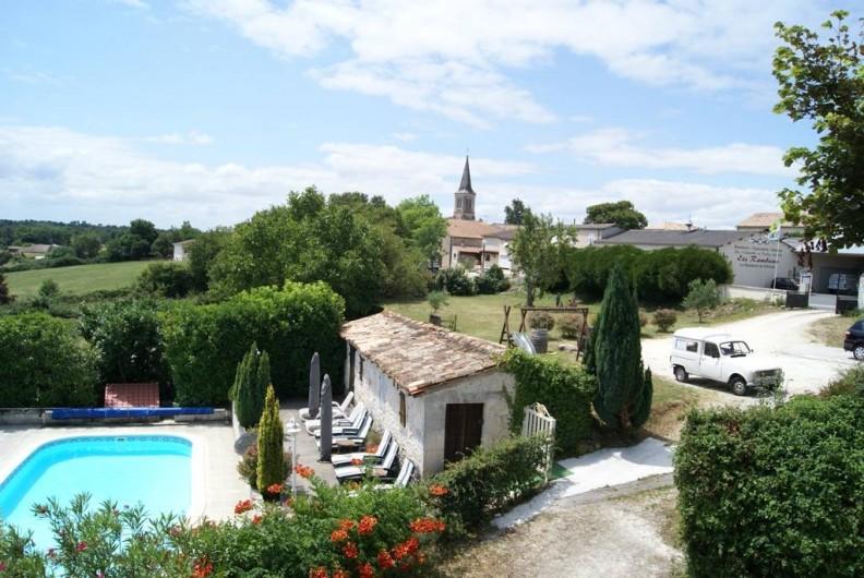 Location de vacances - Chambre d'hôtes à Soubran - Domaine la Fontaine table d'hôtes