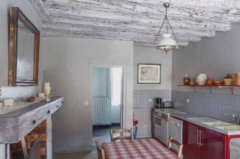 Location de vacances - Gîte à Druyes-les-Belles-Fontaines - la cuisine ouverte