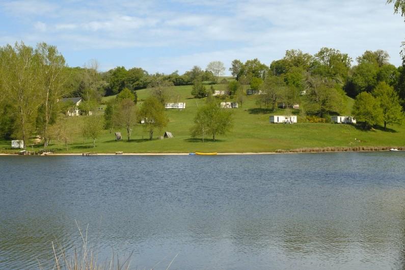 Location de vacances - Bungalow - Mobilhome à Villefranche-de-Rouergue - vue d'ensemble du camping