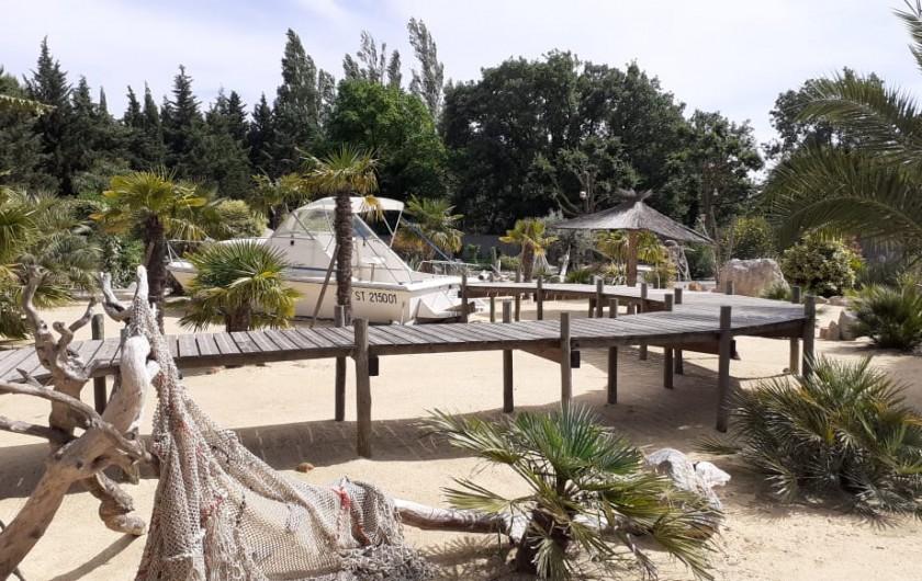 """Location de vacances - Villa à Saint-Pierre la Mer - Larenza               """"le bateau"""""""