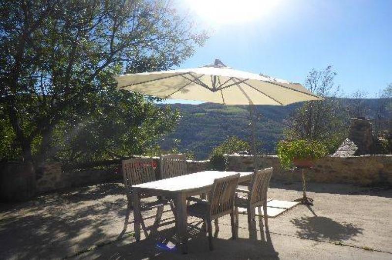 Location de vacances - Gîte à Prats-de-Mollo-la-Preste - Terrasse exposé sud-est.