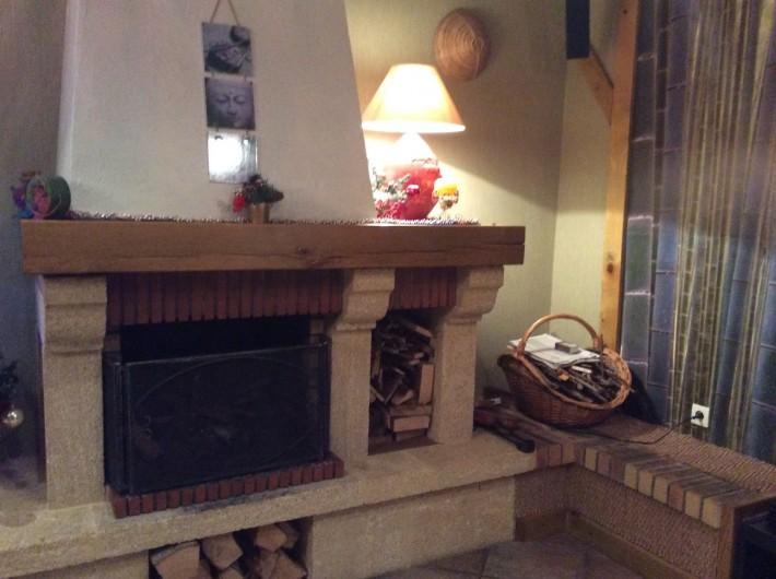 Location de vacances - Gîte à Cier-de-Luchon - salon cheminée