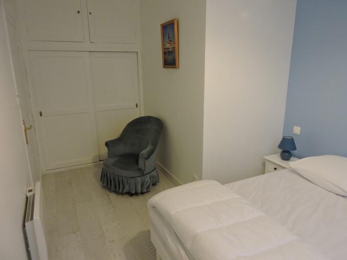 Location de vacances - Villa à Rochefort - chambre bleu
